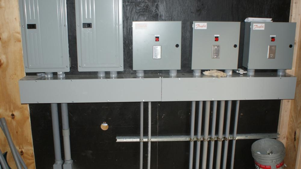 400 amp control station